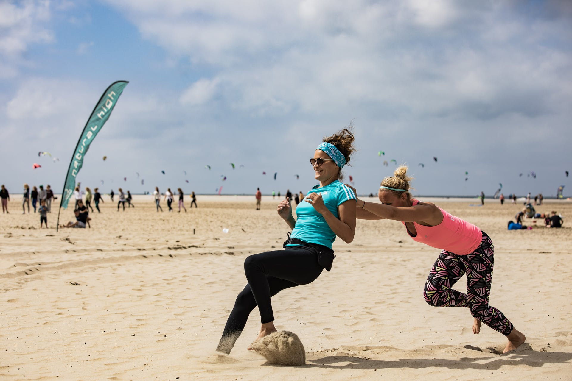 Fitness Bootcamp Teilnehmer in Holland am Strand
