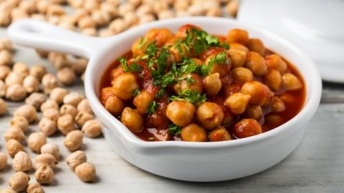 Coconut Chana Masala - Leckeres veganes Kichererbsen Curry in 30 Min.