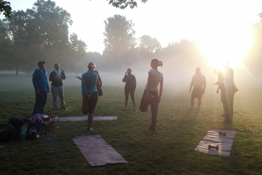 Fitness Bootcamp - Morgens früh Outdoor Fitness